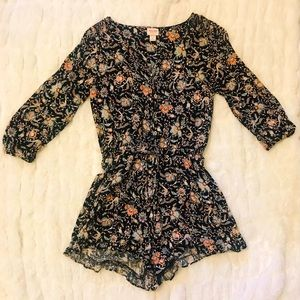 Beautiful floral romper! Summer-y and sexy!